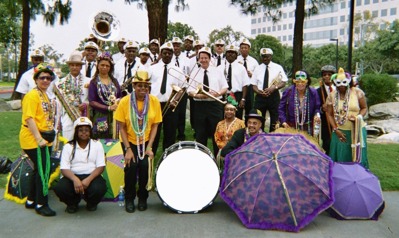 013 12A - New Orleans Jazz Funeral Band