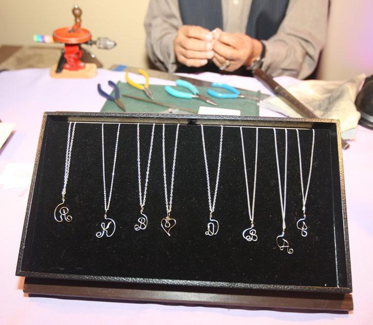 0816 - Wire Name Jewelry Artist