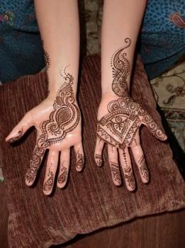 181321 261x350 - Henna Tattoos