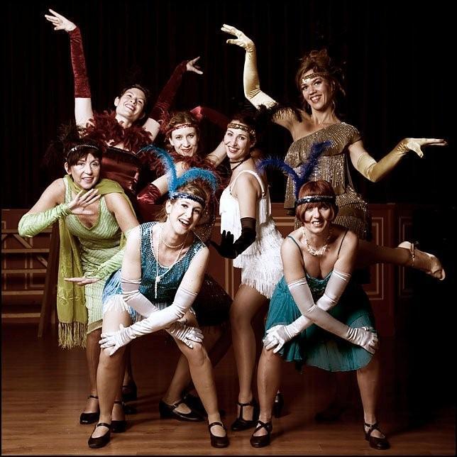 20s - Roaring 20's Flapper Dancers