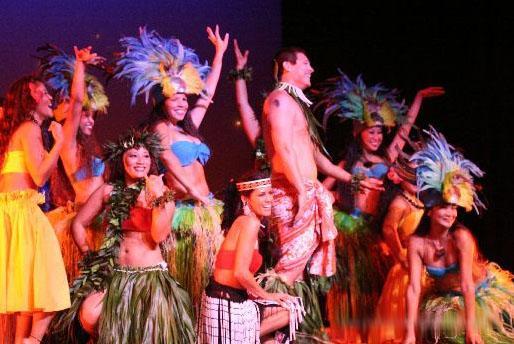 32 - Polynesian Shows