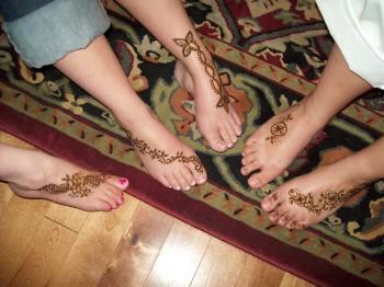 3672970 350x262 - Henna Tattoos