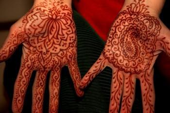 3673061 350x232 - Henna Tattoos