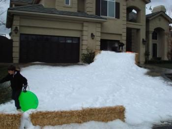 Manhan7 350x262 - Snow Parties