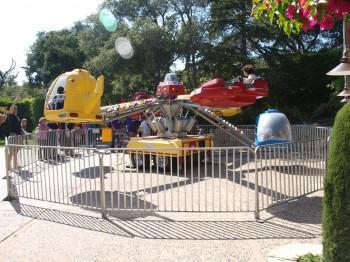 P9135128 350x262 - Carnival Rides