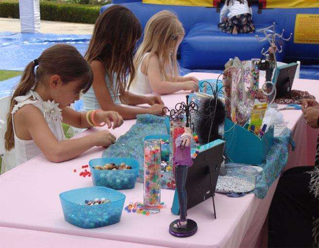 beads - Arts & Crafts Stations