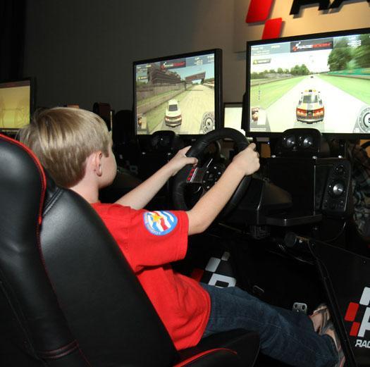 img013 - Racing Simulator