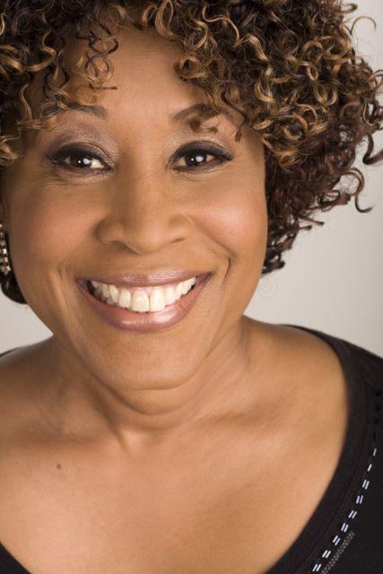 p 6996 9x6 300dpi - Whitney Houston