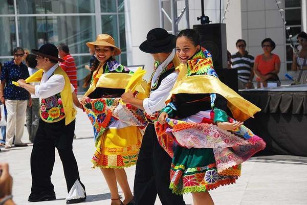 peruvian - Peruvian Dancers