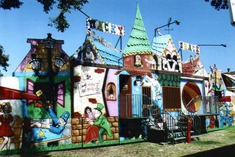 wacky shack - Carnival Rides