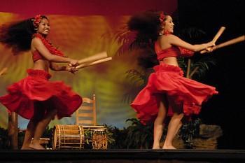 war chant2 350x233 - Polynesian Shows